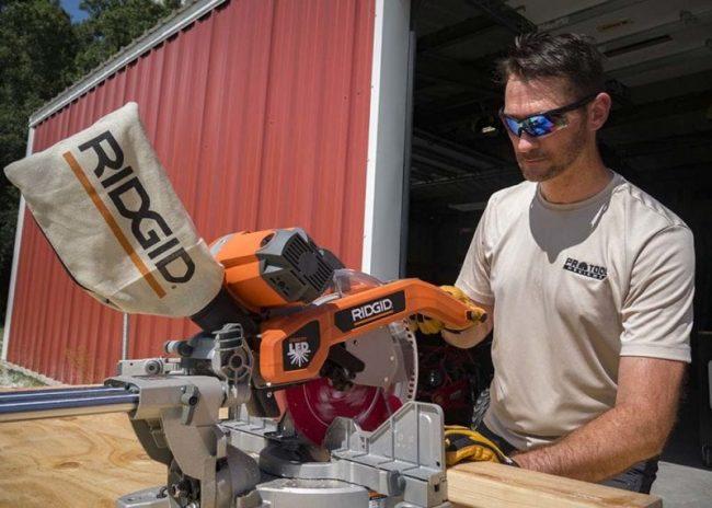 12-inch Miter saw vs 10-inch