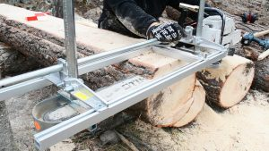 Best Chainsaw Mills For Milling 2021