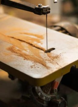 Table Saw vs Band Saw : Which One Is The Best Option